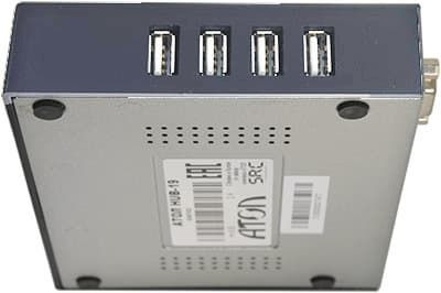 Правая панель корпуса с четырьмя USB портами.