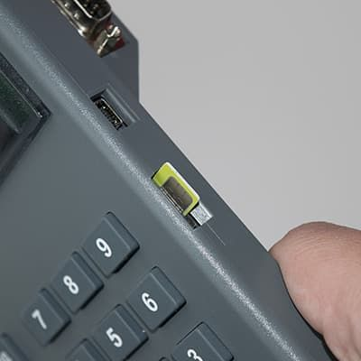 Установка СИМ карты в Меркурий-130Ф - чипом вверх