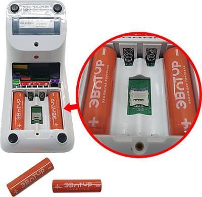 Батарейки и SIM слот на ЭВОТОР 7.3